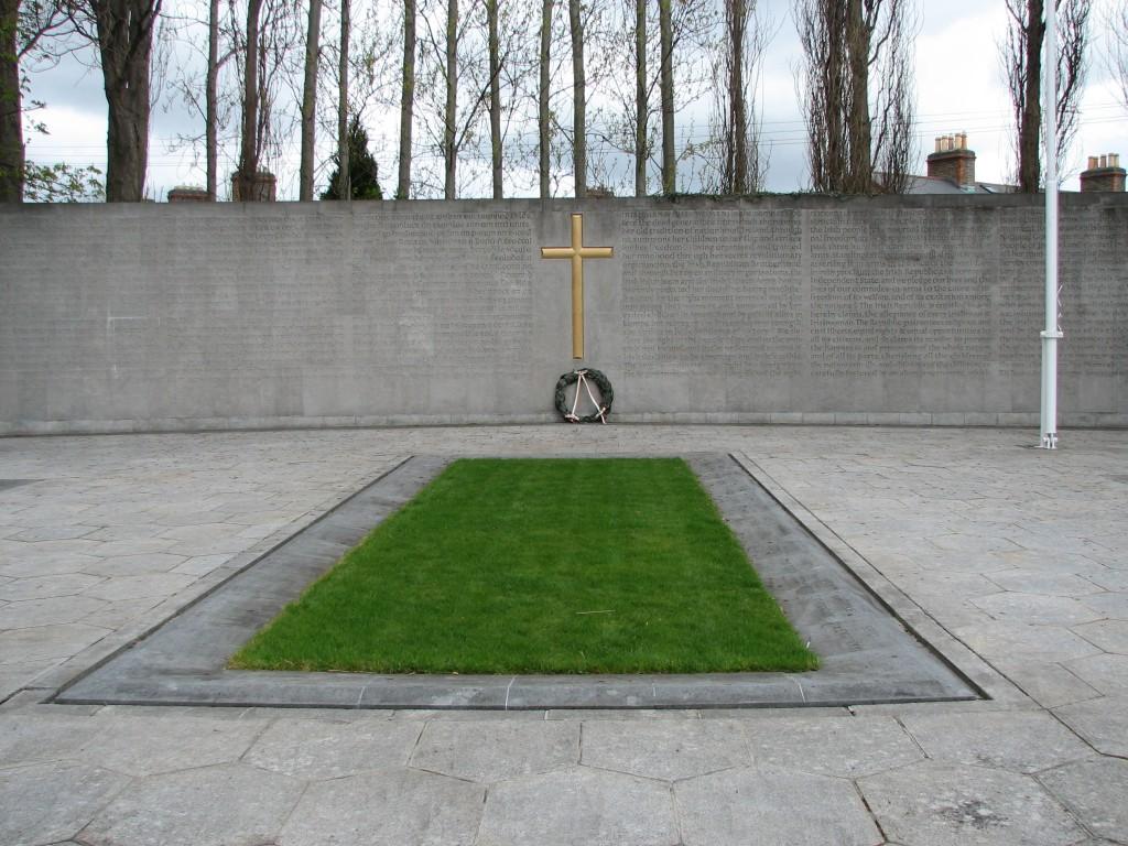 1916_plot_and_memorial