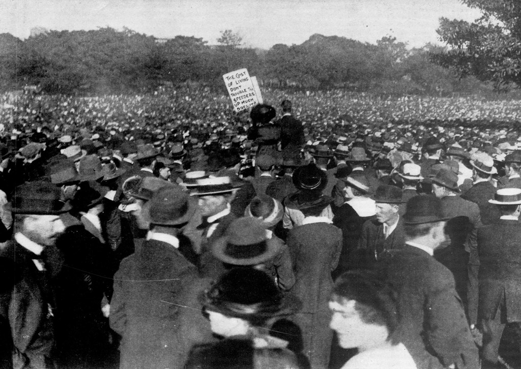 A-large-demonstration-of-women-outside-NSW-Parliament-House-during-the-Great-Strike-of-1917