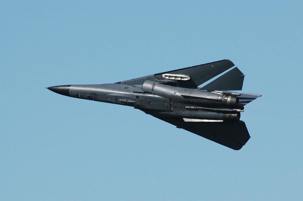 A8-126_General_Dynamics_RF-111C_Aardvark_RAAF_(9502678097)