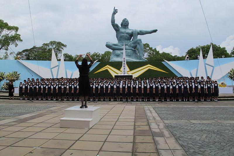 Hiroshima-Nagasaki_2012_(7746129572)
