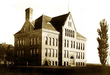 Hodgin_Hall_(1904)