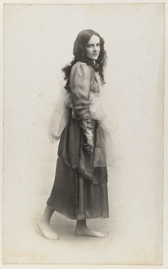 Mackellar_as_a_-Grace-_(1918)