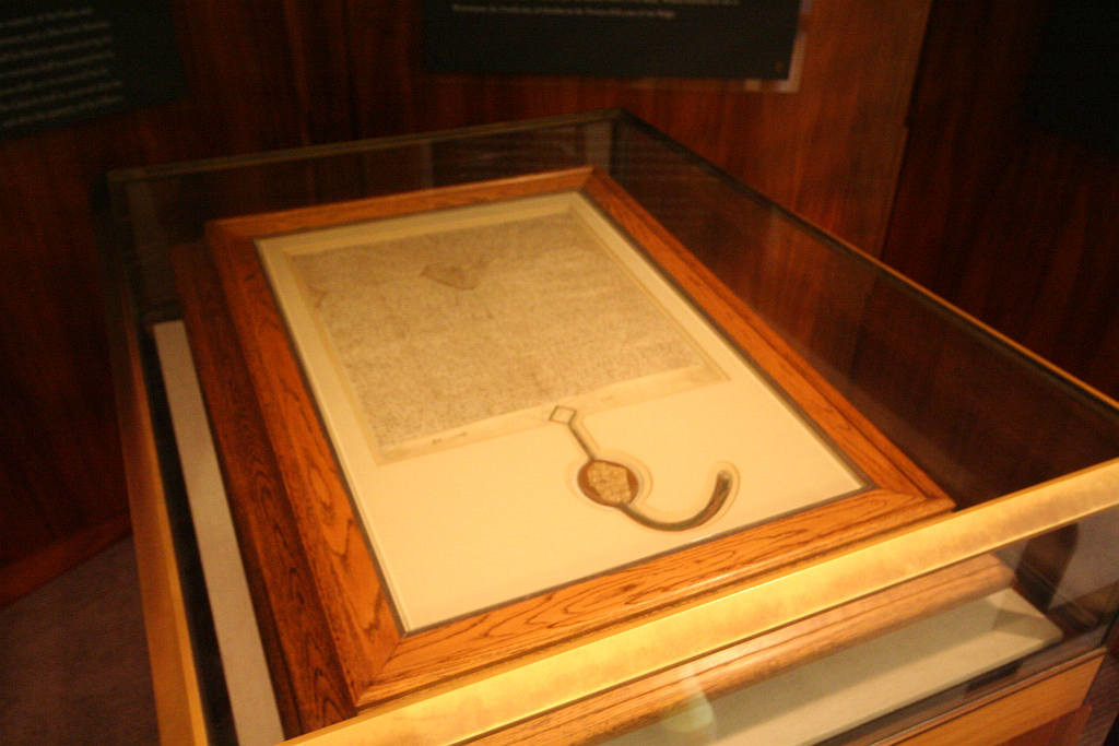 Magna_Carta_(1297_version,_Parliament_House,_Canberra,_Australia)_-_20080416