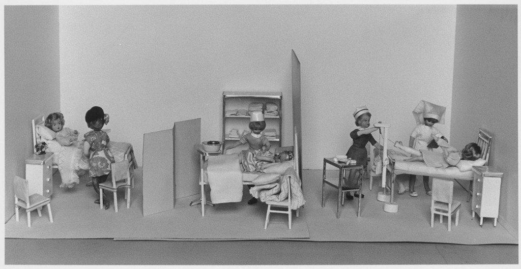 NUA 305 Ward room diorama of Crown Street Womens Hospital