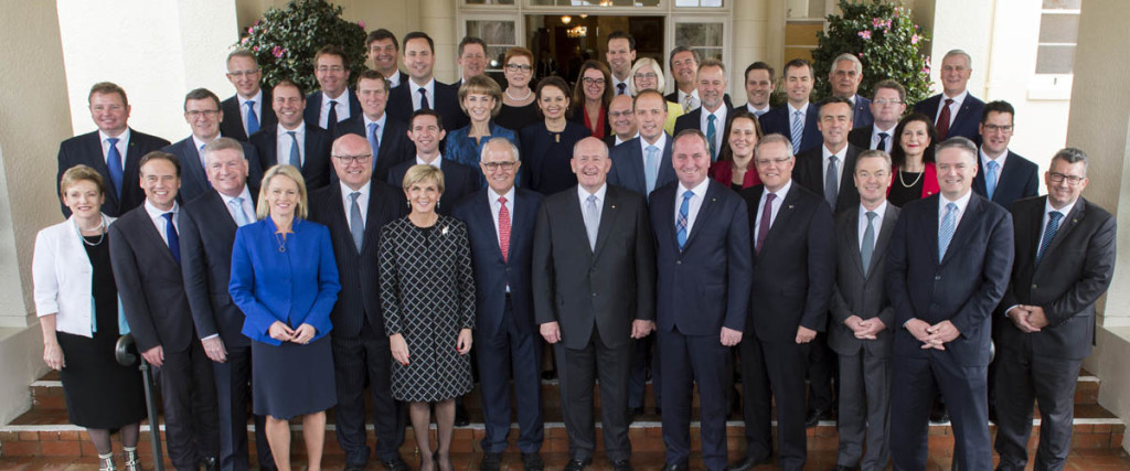 Peter_Cosgrove_with_Second_Turnbull_Ministry_2016