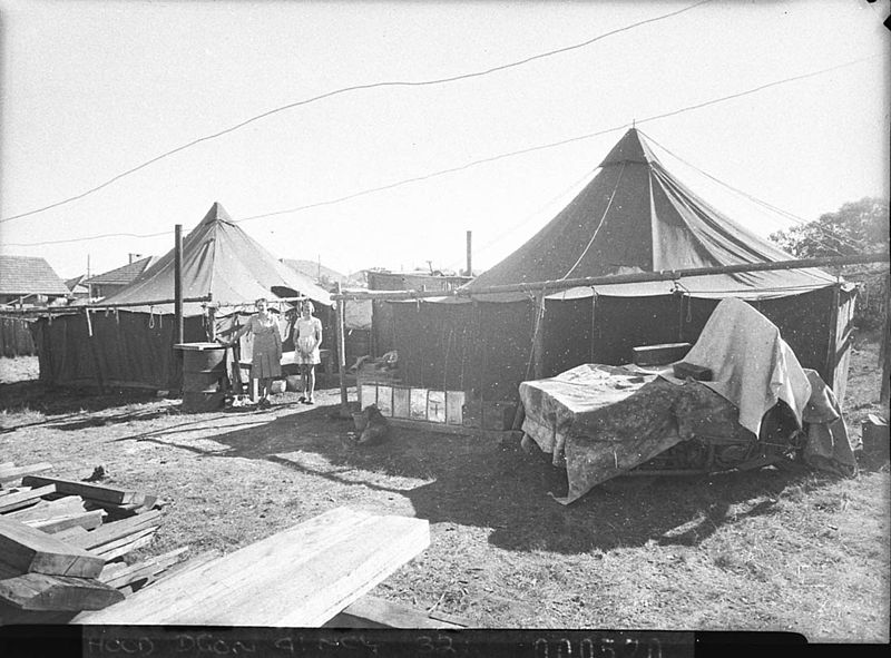 SLNSW_13800_Poor_families_living_under_canvas_at_Lidcombe_Auburn_or_Bankstown_taken_for_Charles_A_Morgan_MHR